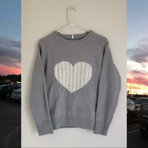 NWOT Heart Sweater (SO SOFT)